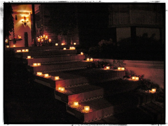 Camino iluminado Boda en dia de muertos