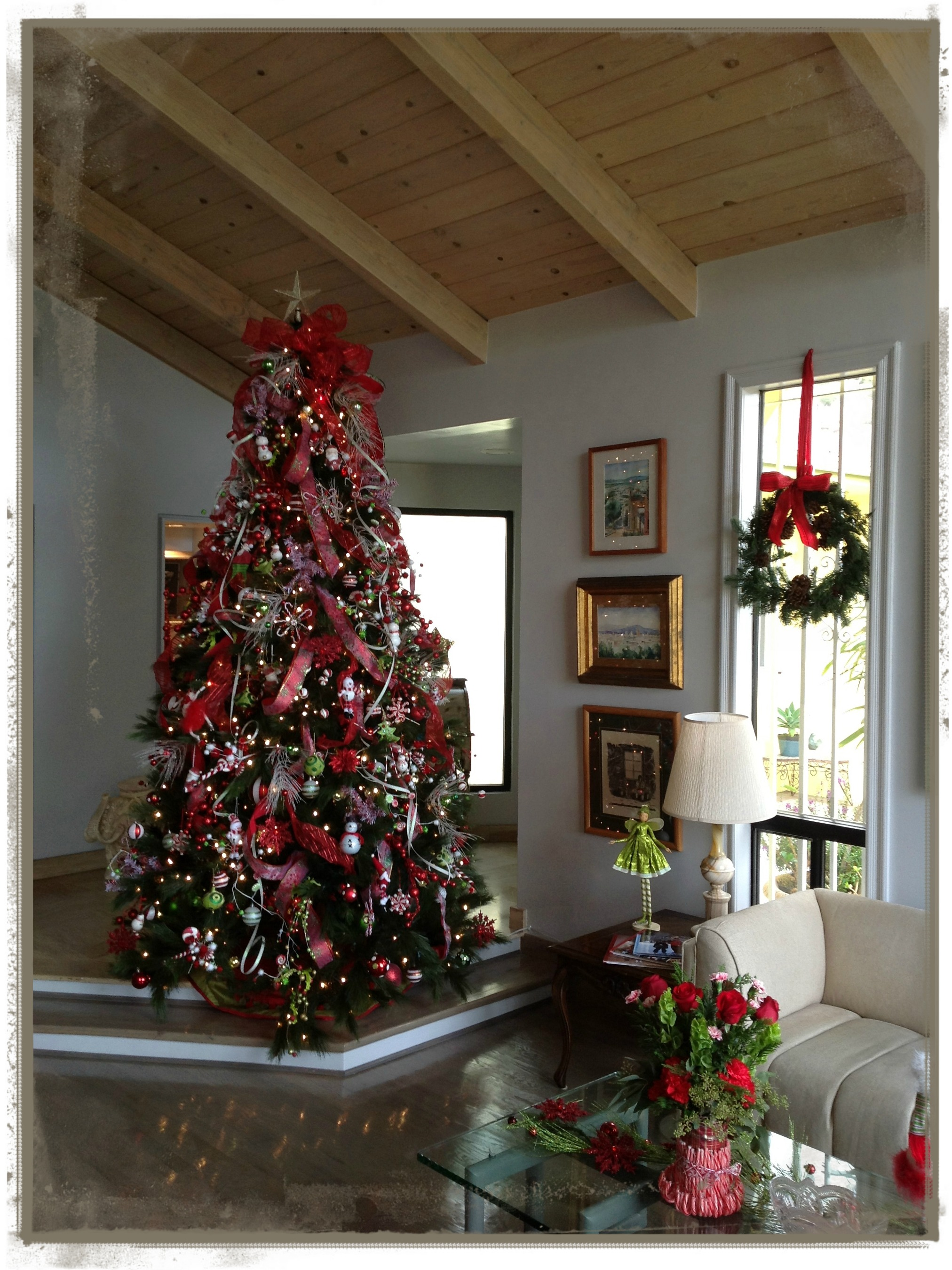 Decoraci n navide a prepar ndonos para recibir la - Como poner el arbol de navidad ...