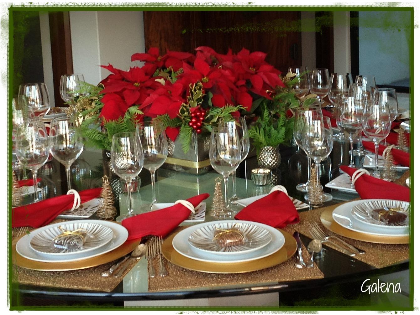 Centro de mesa con nochebuenas ana galena - Mesa de navidad elegante ...