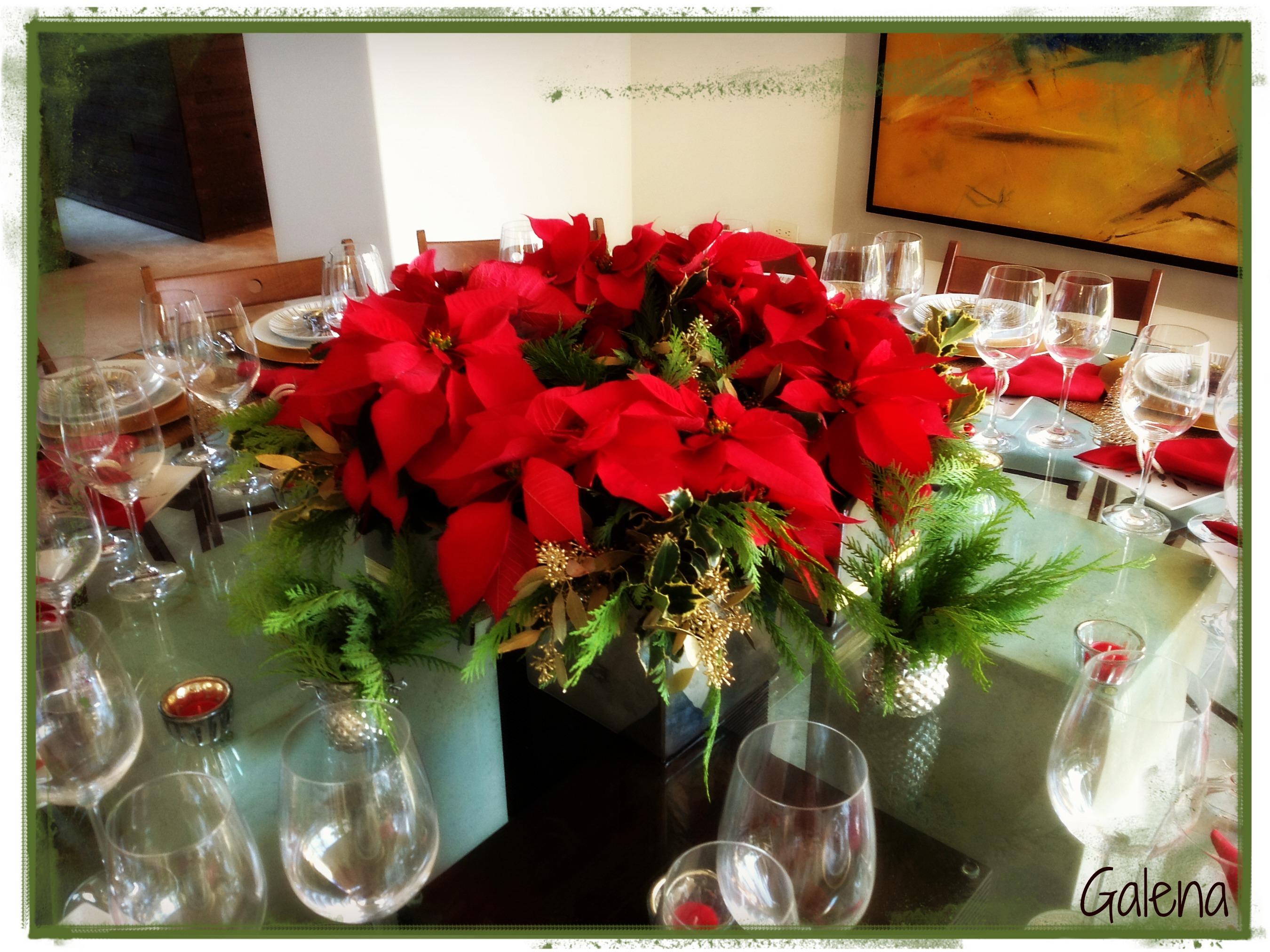 Centro de mesa con nochebuenas ana galena - Como hacer un centro de navidad ...