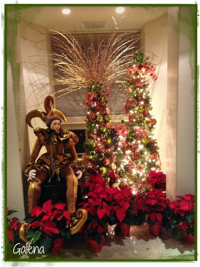 el arlequin y los arbolitos navideños