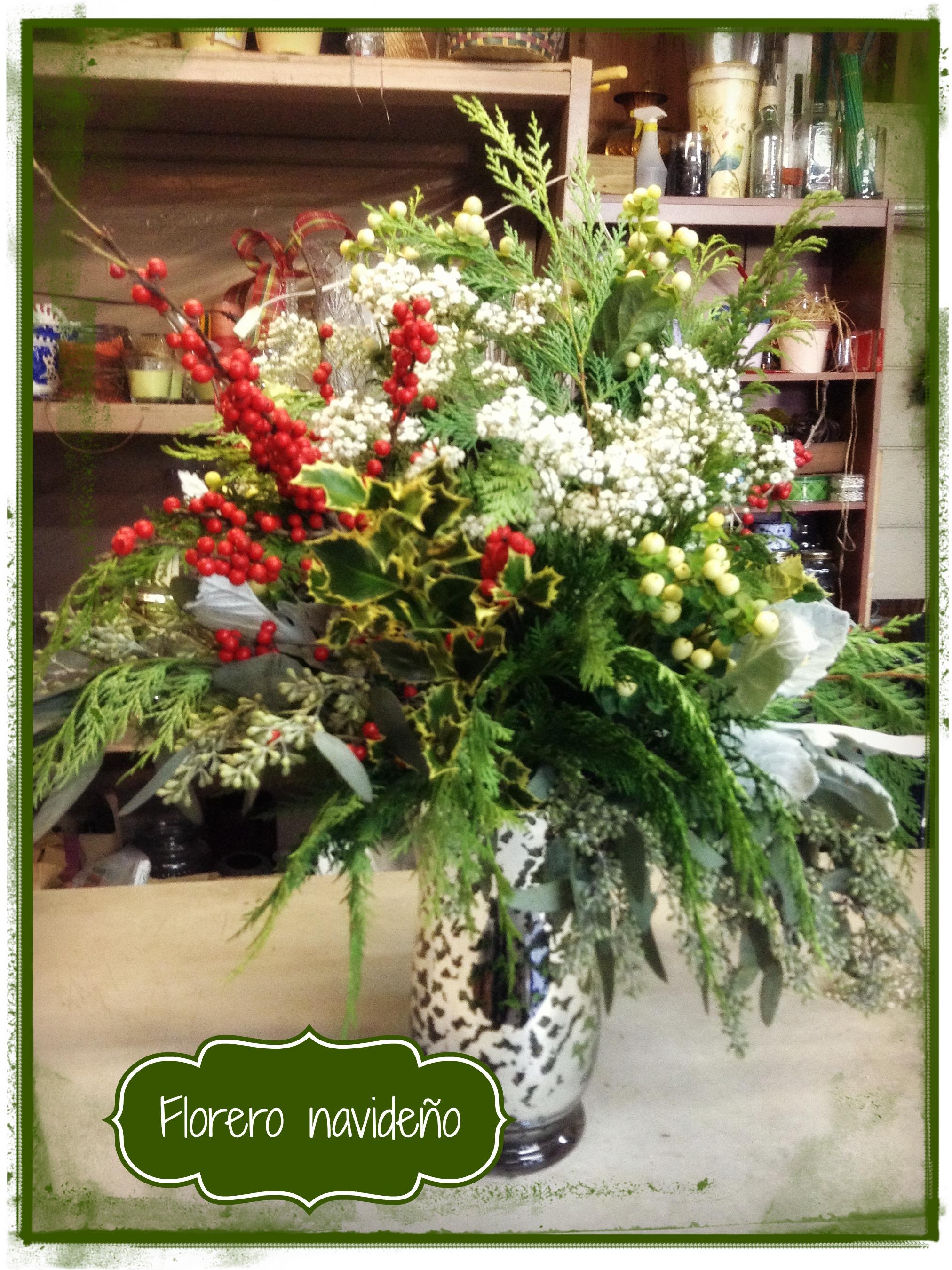 Arreglo de flores navide o como hacer un florero - Centros florales navidenos ...