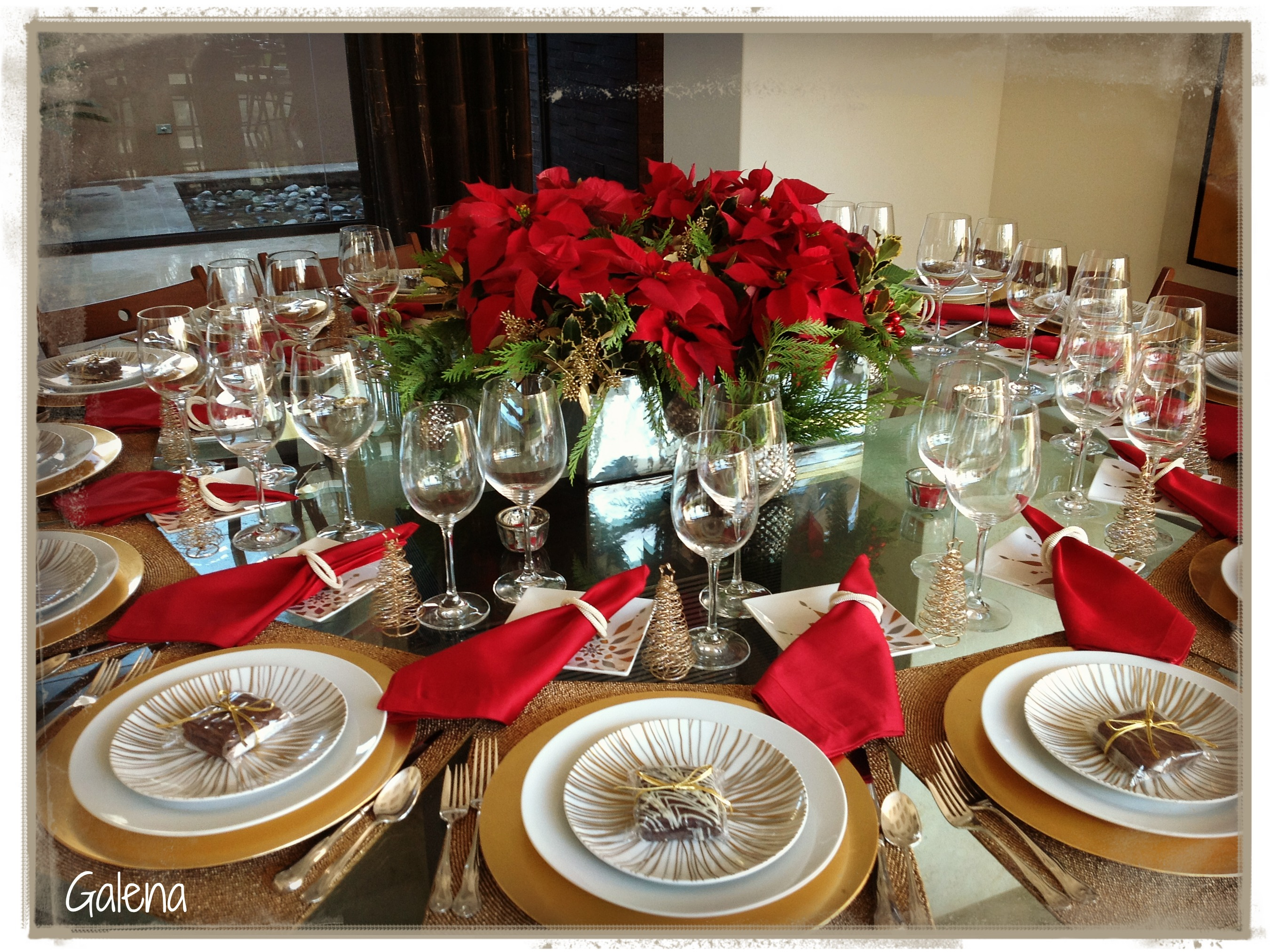 Centro de mesa con nochebuenas escuelita de flores galena - Mesa de navidad ...