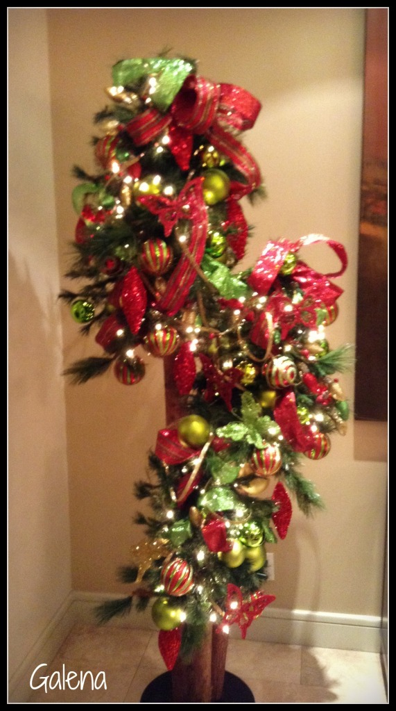 triada de arbolitos navideños