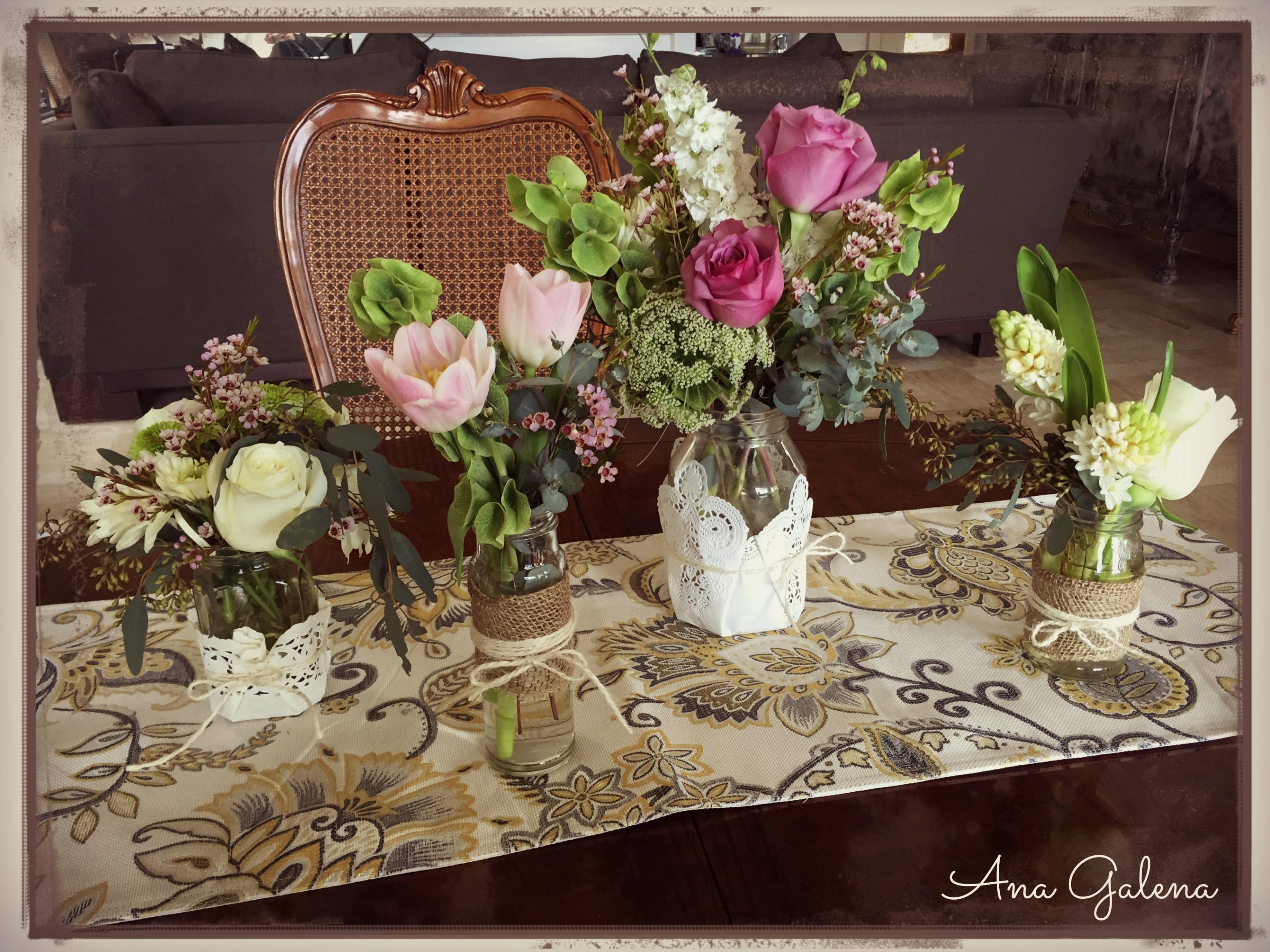 Centro de mesa en frascos estilo vintage ana galena for Mesas vintage